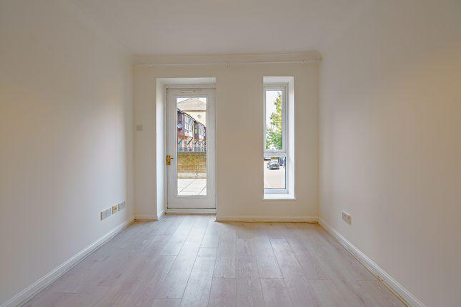 8436257-Interior18-800