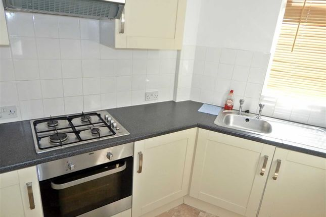 Thumbnail Flat to rent in Oldfield Circus, Northolt