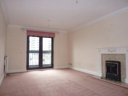 3 bedroom property to rent in Channel Way, Ocean Village, Southampton