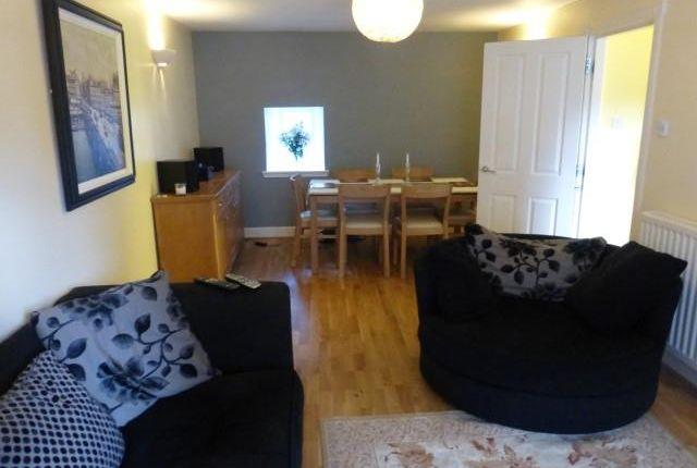 Flat to rent in Union Glen, Aberdeen