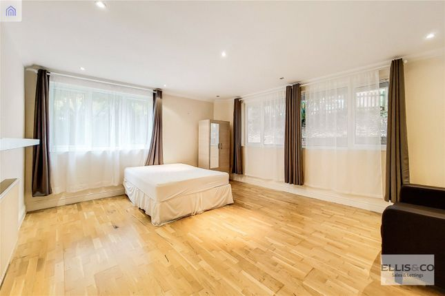Thumbnail Flat to rent in Queens Walk, London