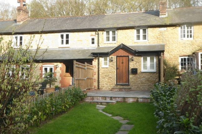 Thumbnail Cottage to rent in The Enterdent, Godstone