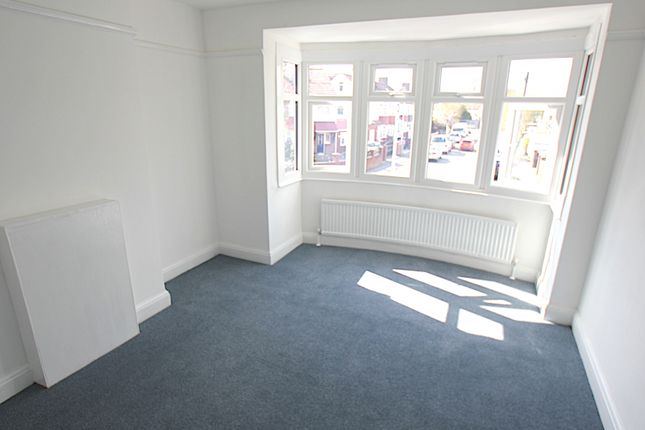 Thumbnail Maisonette to rent in Hitherbroom Road, Hayes
