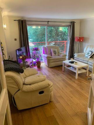 Flat to rent in Shelbourne Rd, Bromley