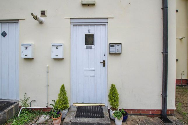 Thumbnail Flat for sale in Market Street, Builth Wells