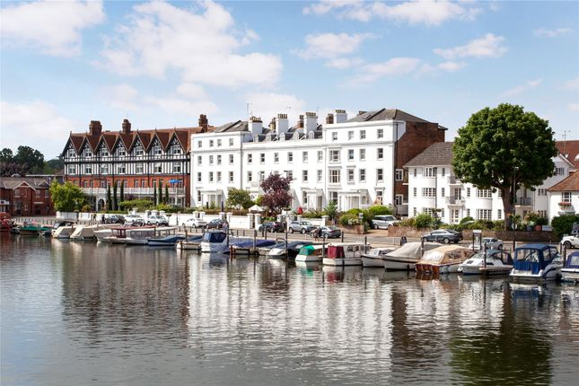 Thumbnail Flat for sale in River Terrace, Henley-On-Thames, Oxfordshire