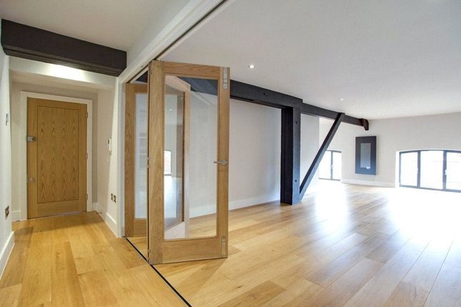 Thumbnail Flat for sale in New Street, Henley-On-Thames, Oxfordshire