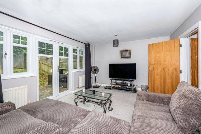 Living Room of Gemmell Close, Purley CR8