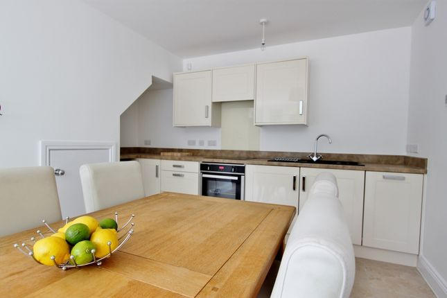 Thumbnail Maisonette to rent in Mill Road, Worthing