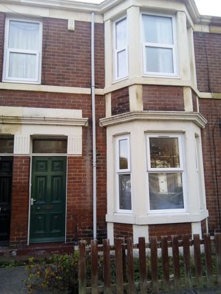 Thumbnail Flat to rent in Helmsley Road, Sandyford, Newcastle Upon Tyne