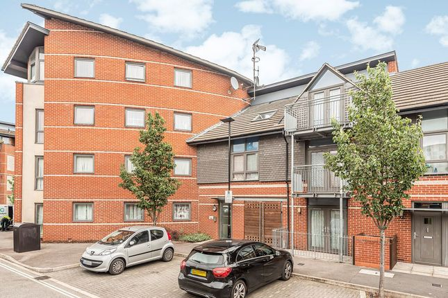 Thumbnail Flat to rent in Lewin Terrace, Bedfont