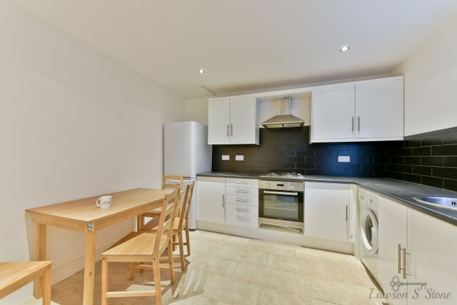 Thumbnail Room to rent in Godstone Road, Room 6