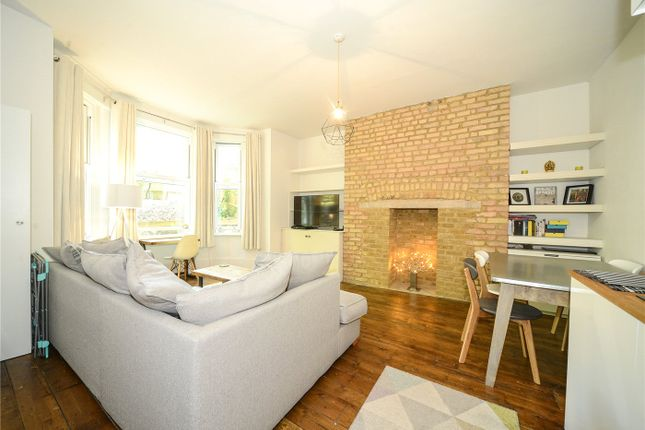 1 bed flat for sale in Thicket Road, London