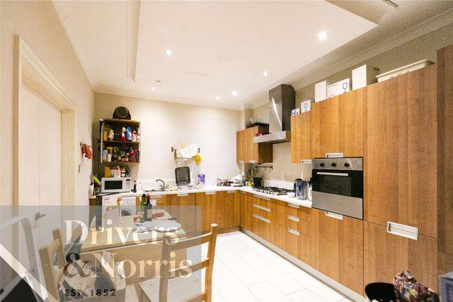 Thumbnail Flat to rent in Weymouth Mews, London