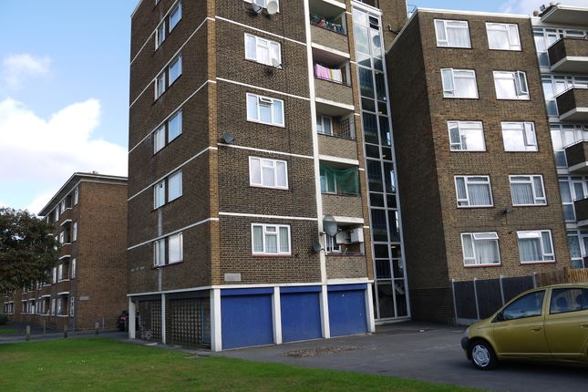 2 bed flat for sale in Brockley Road, London
