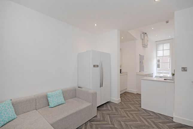 Thumbnail Flat to rent in Apt 2, Belgravia House 2 Rockingham Lane, Sheffield