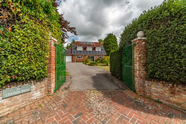 Thumbnail Detached house for sale in Station Road, Netley Abbey