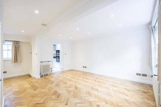 Mews house to rent in Moreton Terrace Mews South, London