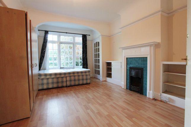 Thumbnail Flat to rent in Fielding Street, London