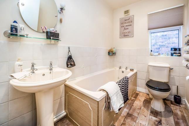 Bathroom of Troon Way, Thornes, Wakefield, West Yorkshire WF2