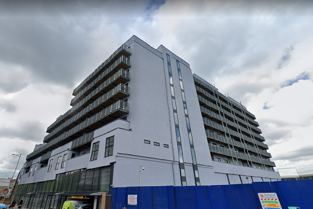 Thumbnail Flat for sale in High Road, Ilford