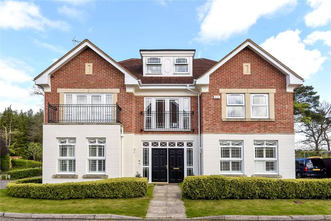 5 bed detached house to rent in Drifters Drive, Deepcut, Camberley, Surrey