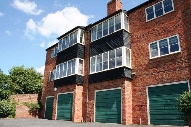 2 bed flat to rent in Green Hill, Bath Road, Worcester WR5