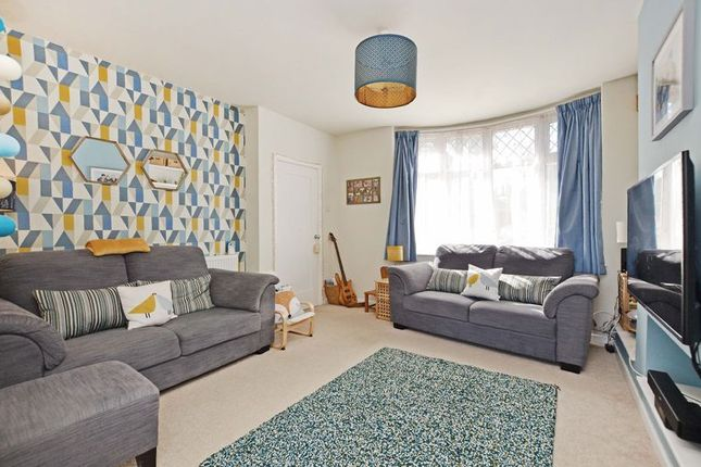 Living Room of Hollythorpe Rise, Norton Lees, Sheffield S8