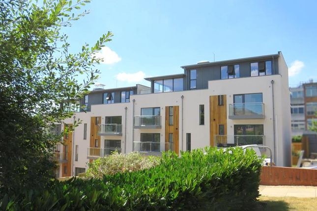 Thumbnail Flat for sale in Easton Street, High Wycombe, High Wycombe
