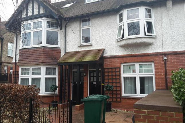 Thumbnail Flat to rent in Wilbury Crescent, Hove
