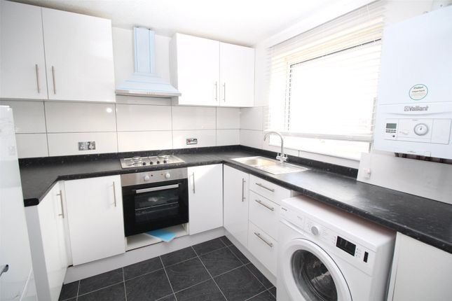 Thumbnail Flat to rent in Shurland Avenue, East Barnet
