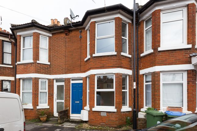 Thumbnail Terraced house to rent in Queen's Road, Southampton