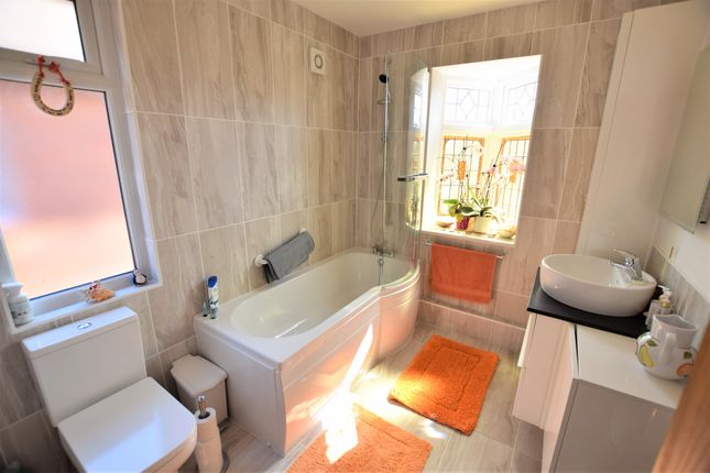 Bathroom of Marlow Avenue, Eastbourne BN22