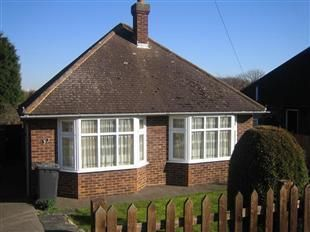 Thumbnail Bungalow to rent in Runnalow, Letchworth Garden City