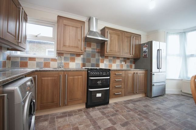 Thumbnail Flat to rent in Orford Road, Walthamstow Village, London
