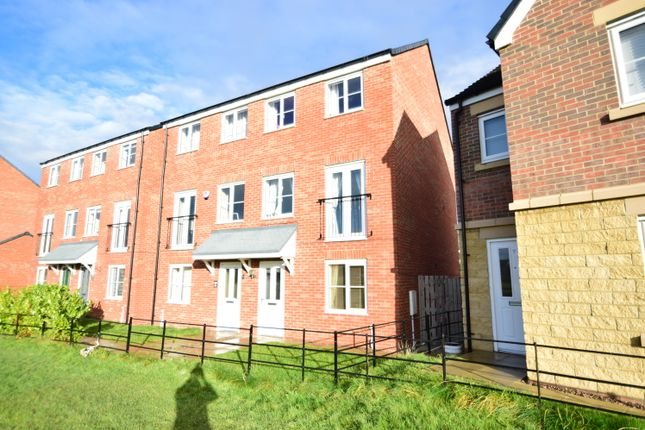 3 bed town house for sale in Grenville Road, Blyth