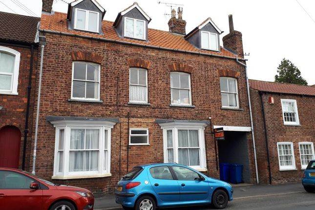 Thumbnail Flat to rent in 22 St Johns Road, Driffield