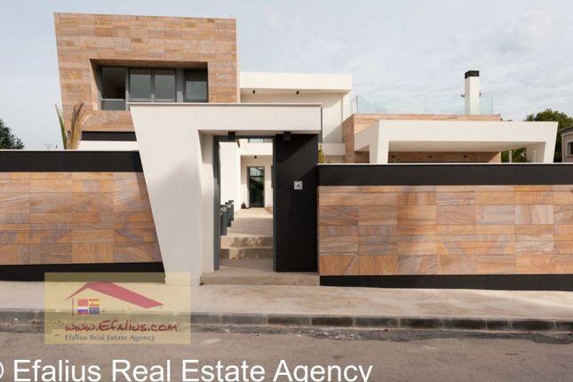 4 bed villa for sale in Dehesa De Campoamor, Dehesa De Campoamor, Orihuela