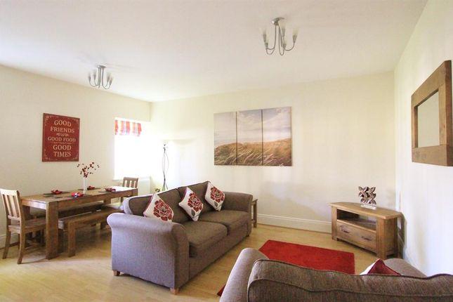 Thumbnail Terraced house to rent in Queens Road, Uxbridge