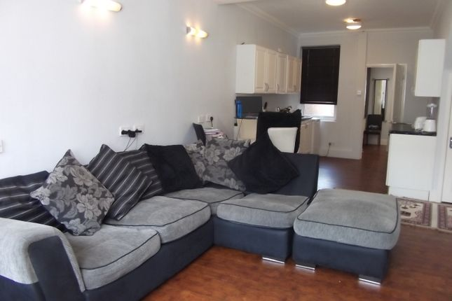 Thumbnail Flat to rent in Bolingbroke Road, Coventry