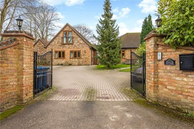 Thumbnail Detached bungalow for sale in Great Kimble, Aylesbury, Buckinghamshire