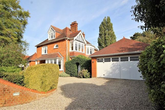 Thumbnail Detached house for sale in Greenway, Hutton Mount, Brentwood