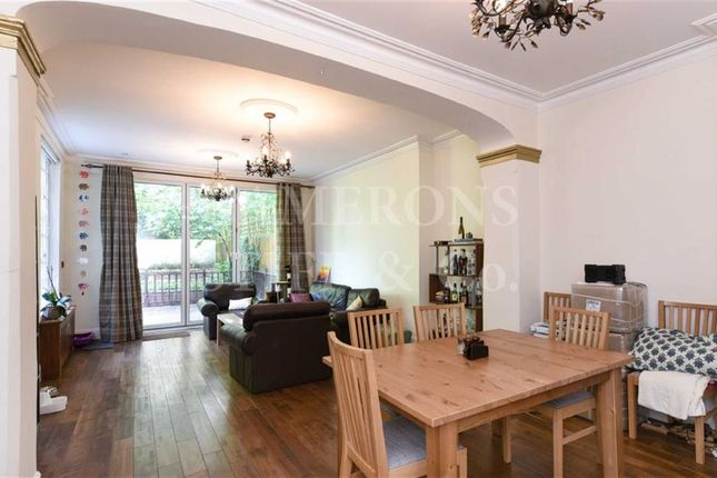 Thumbnail Flat to rent in Brondesbury Villas, Kilburn, London