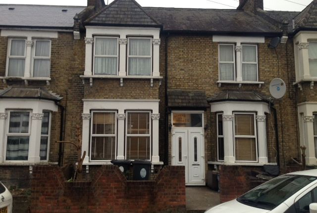 Thumbnail Terraced house to rent in Carisbrooke Rd, Walthamstow