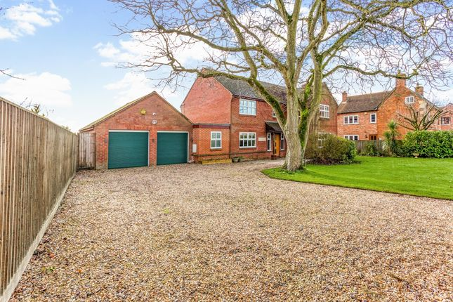 4 bed detached house to rent in The Pound, Bromham, Chippenham SN15