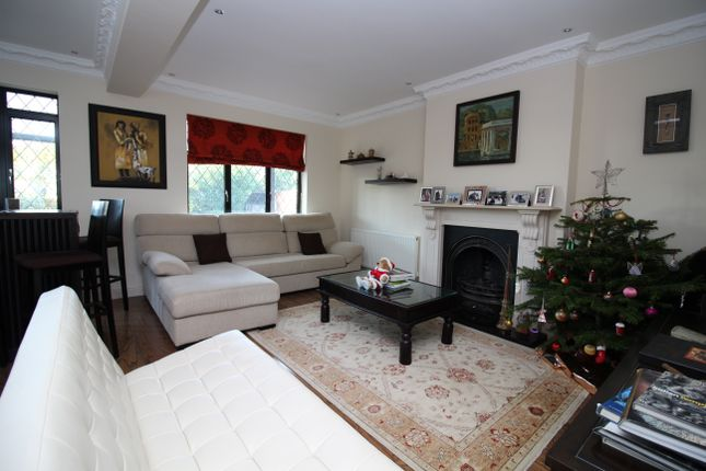 Thumbnail Detached house to rent in Woodlands Way, Woodford Green