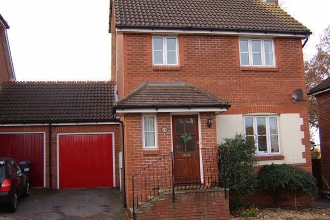 Thumbnail Link-detached house to rent in Lynton Close, Farnham
