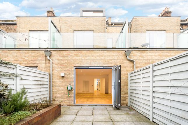 Thumbnail Terraced house for sale in Gillespie Road, London