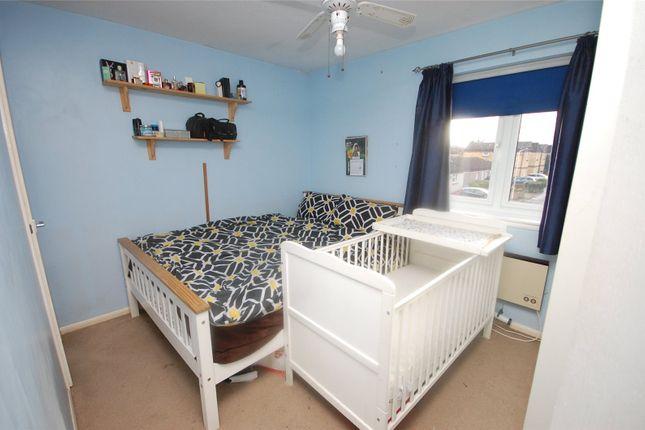 Picture No. 17 of Snowdonia Close, Pitsea, Essex SS13