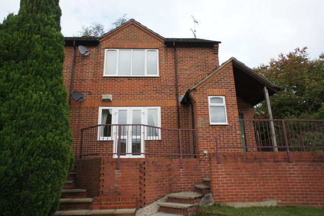 Maisonette to rent in Leaver Road, Henley-On-Thames